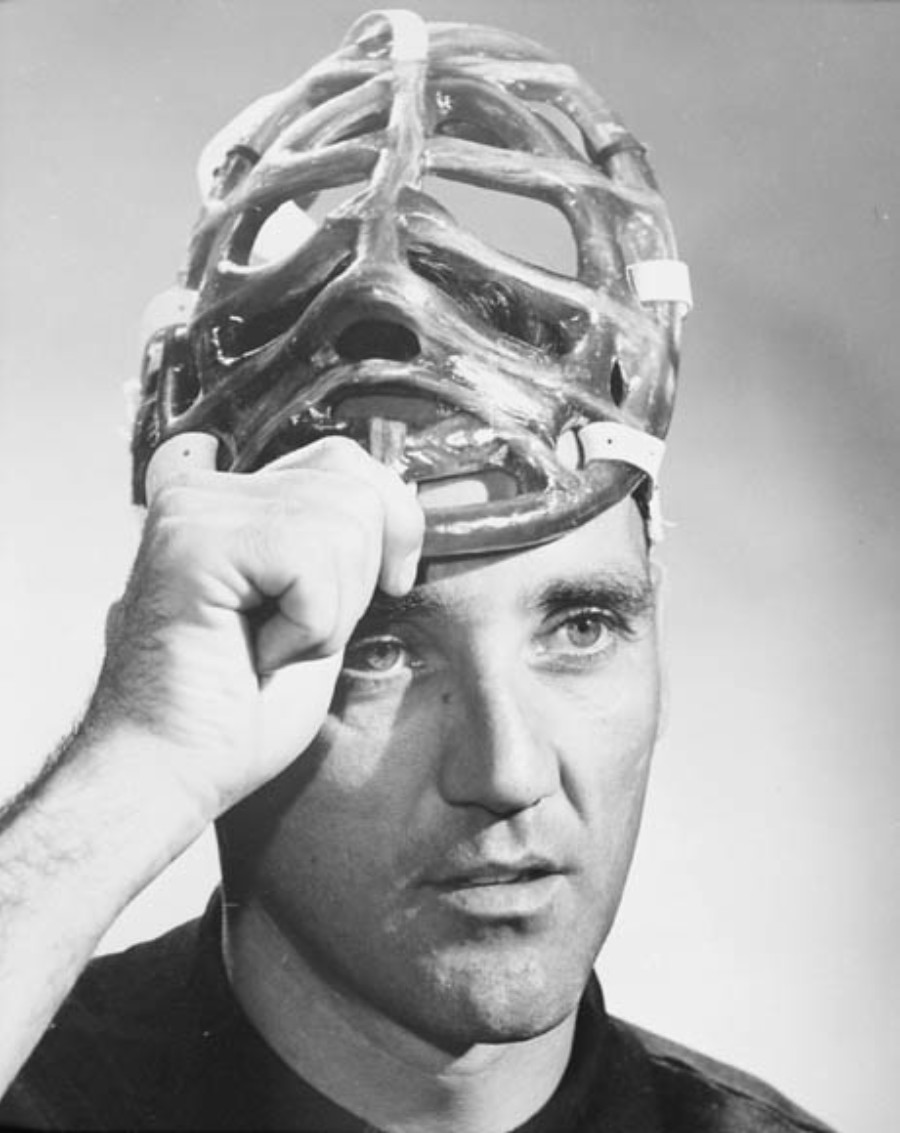 Going Face to Face: The Making of Goaltender Masks in North American Professional Ice Hockey, 1959-1991